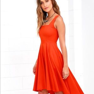 LULU's NWOT 'Course of action' high low dress